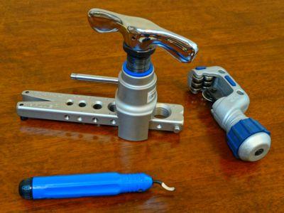 zestaw narzędzi do wykonania połączenia kielichowego